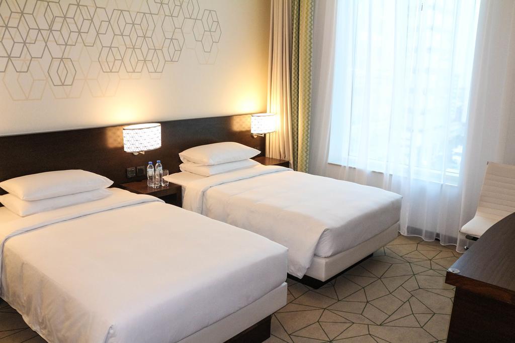 Цены в отеле Hyatt Place Baniyas Square