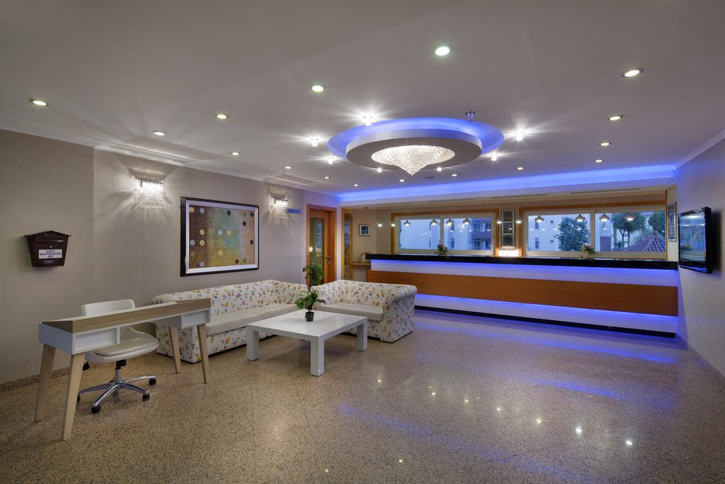 Villa Moonflower Aparts & Suites фото туристів