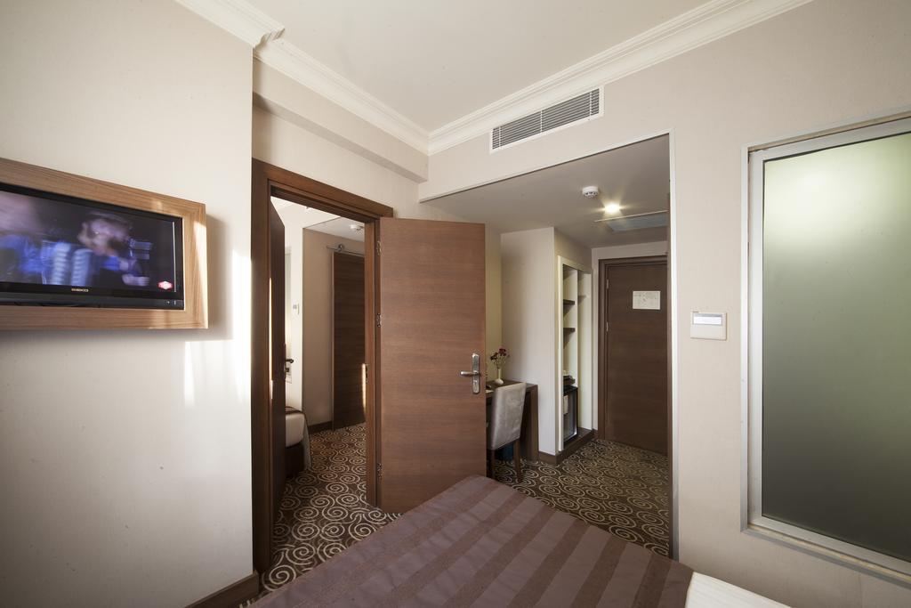 Туры в отель Delta Hotel Стамбул