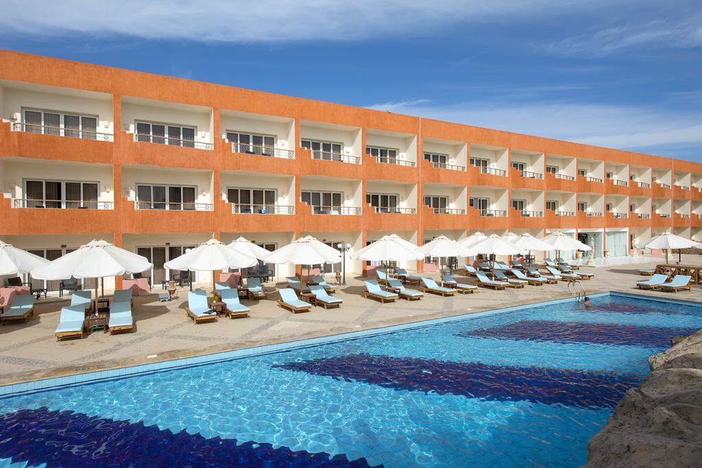 Amwaj Oyoun Resort & Spa (ex. Millennium Oyoun) цена