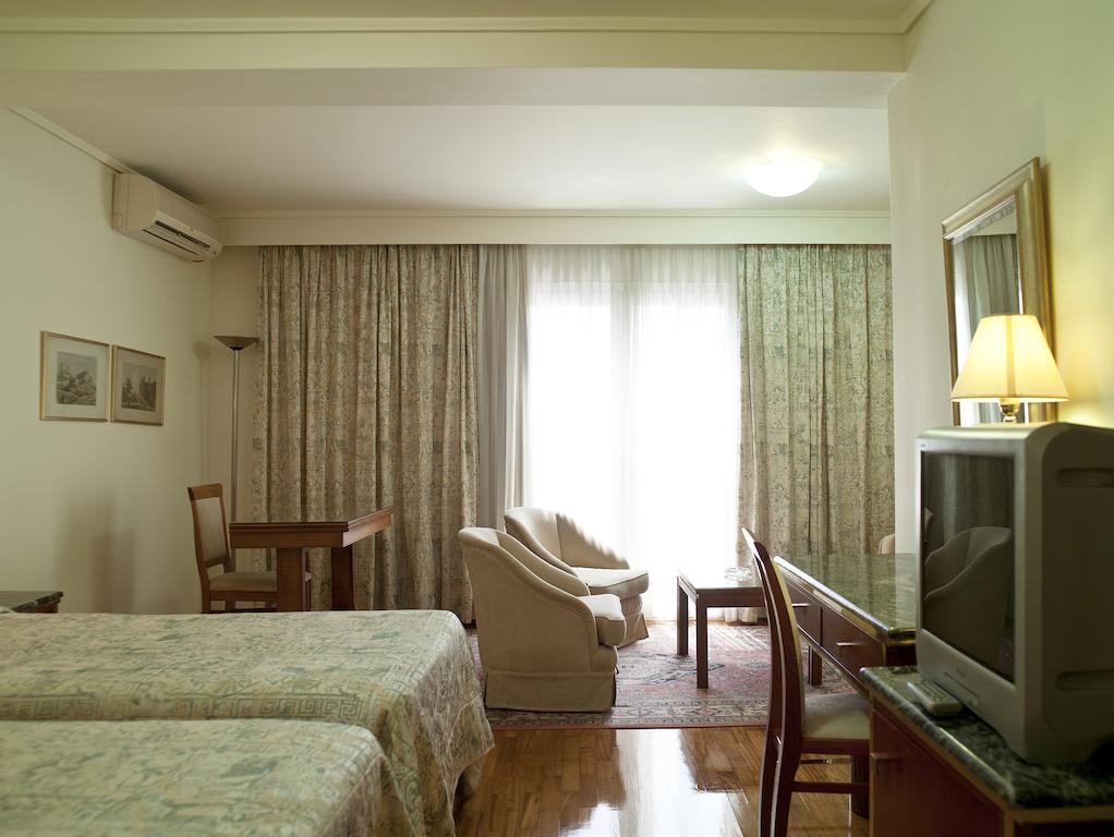 Цены в отеле Best Western Ilisia Hotel
