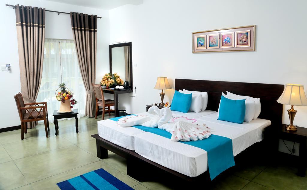 Горящие туры в отель Coco Royal Beach Resort