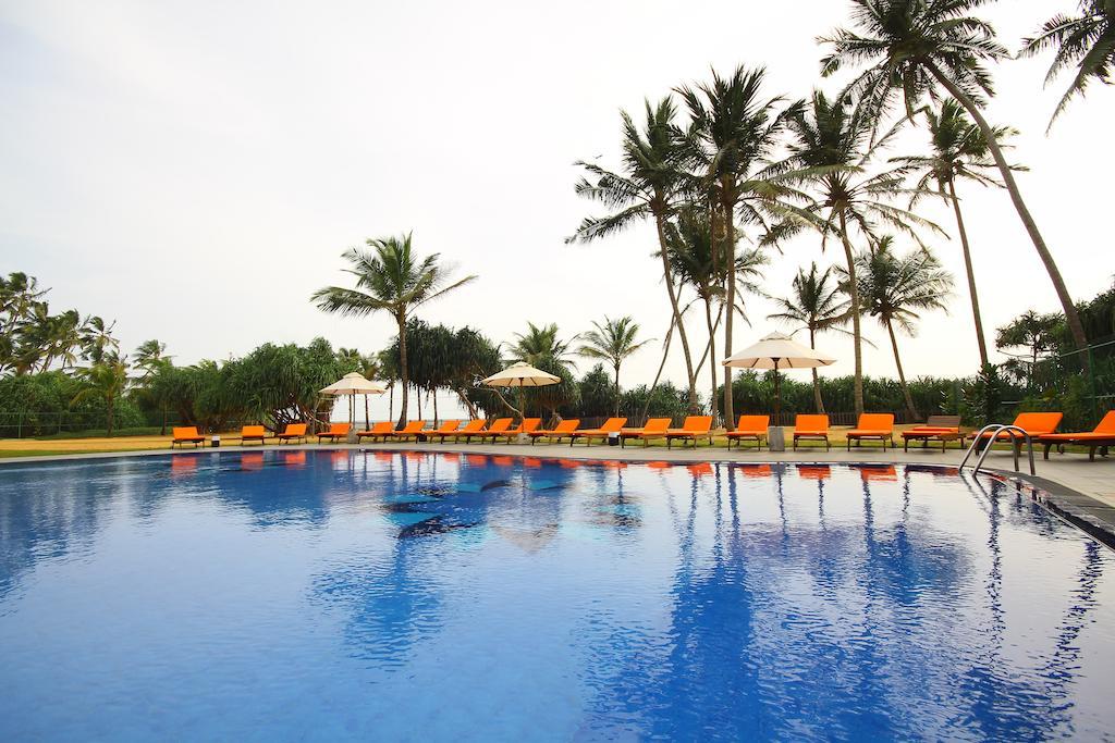Отдых в отеле Kamili Beach Hotel Калутара