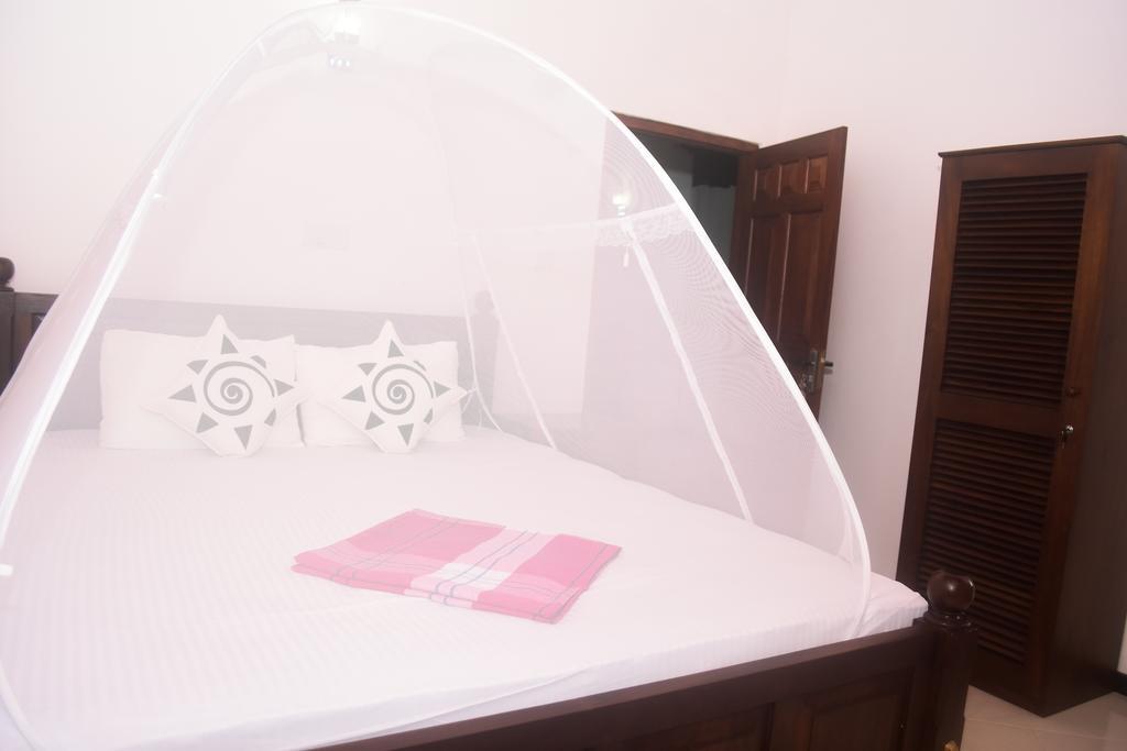 Горящие туры в отель Villa De White Sambur Хиккадува