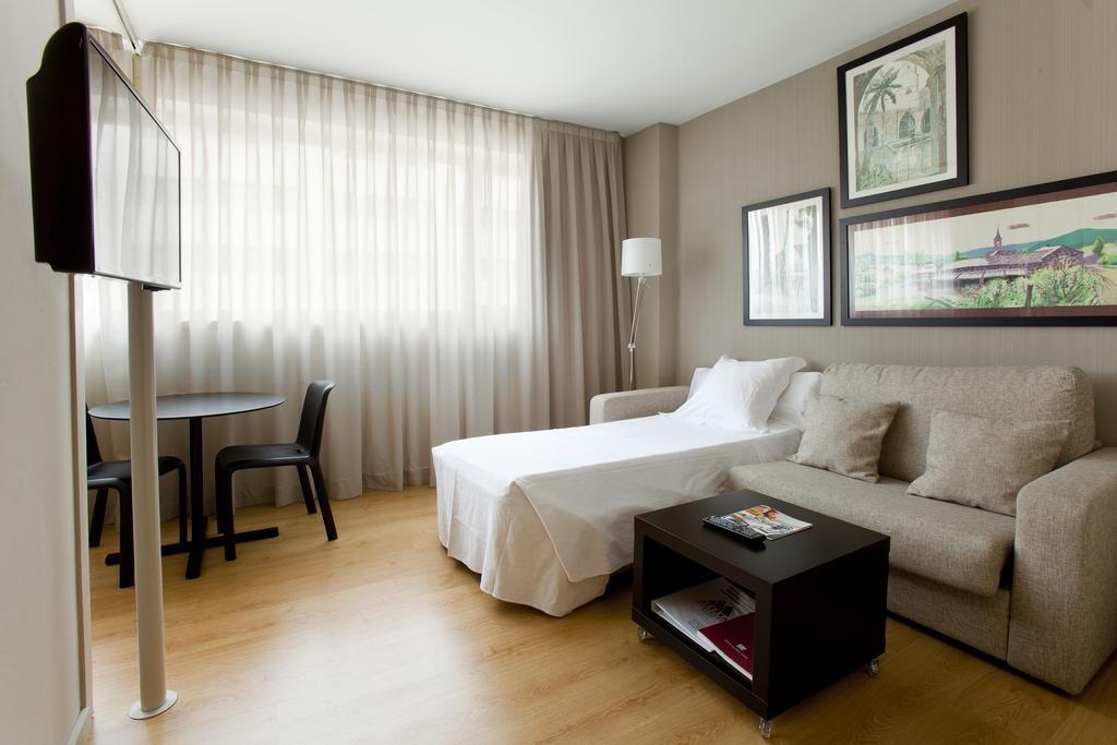 Aparthotel Atenea, Барселона