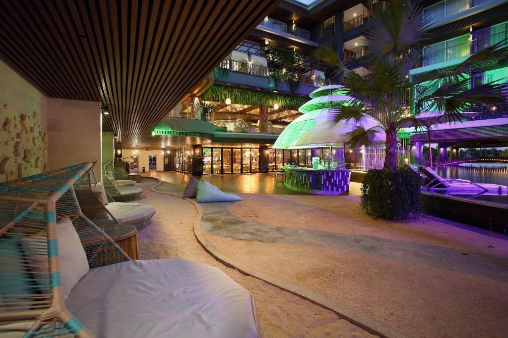 The Crystal Luxury Bay Resort фото и отзывы