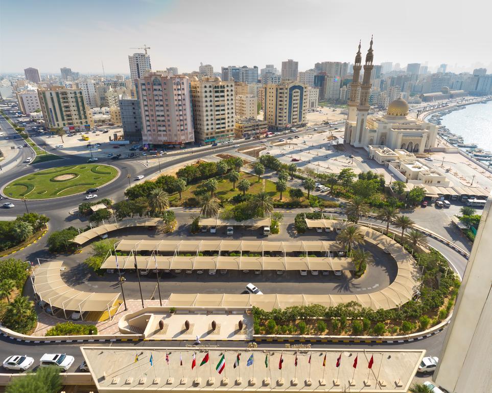 Radisson Blu Resort Sharjah, Шарджа, ОАЕ, фотографії турів