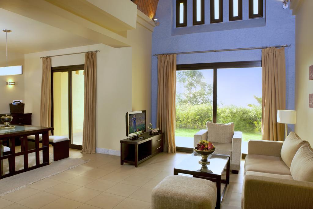 Рас-ель-Хайма The Cove Rotana Resort Ras Al Khaimah ціни