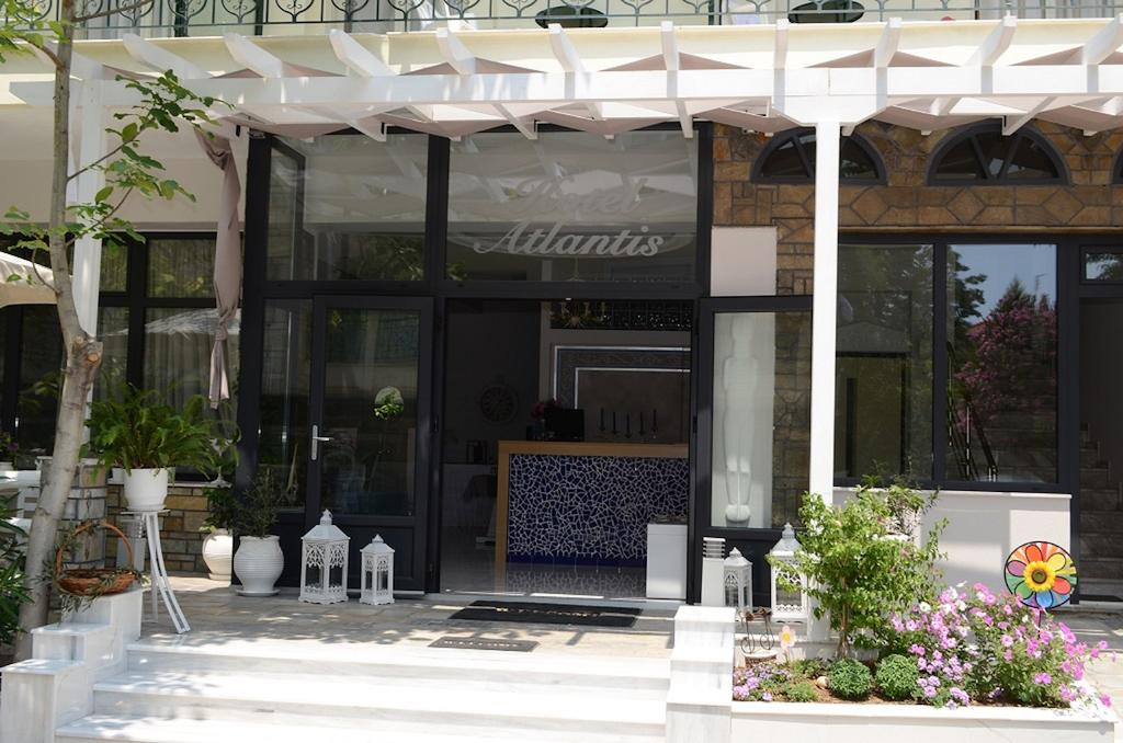 Atlantis Hotel, Каллікратія
