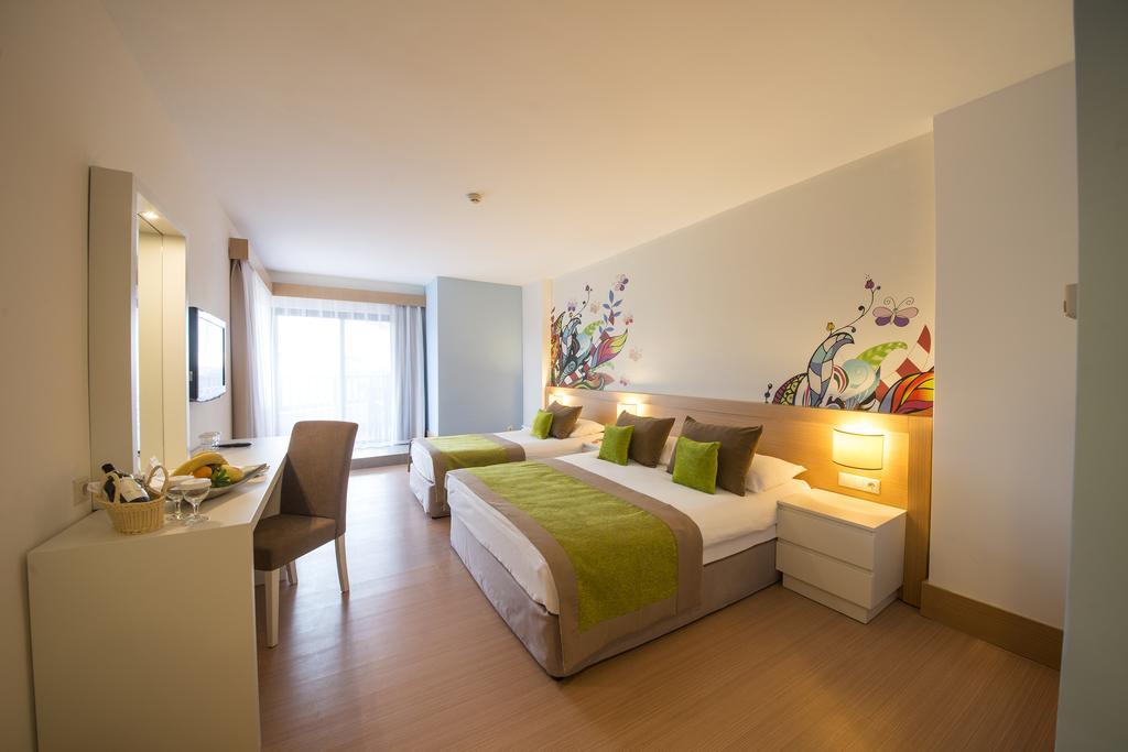 Фото готелю Limak Arcadia Golf & Sport Resort Hotel