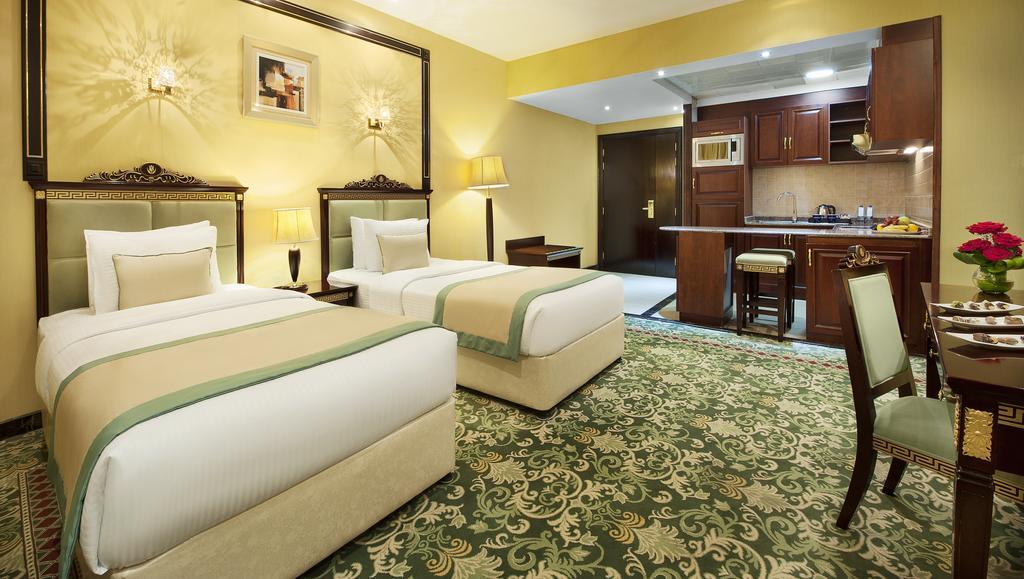 Цены в отеле Golden Tulip Al Thanyah