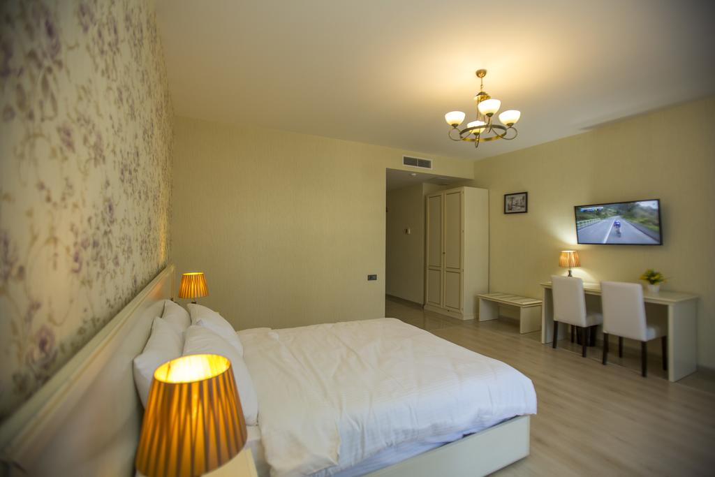 Відпочинок в готелі Ire Palace Батумі