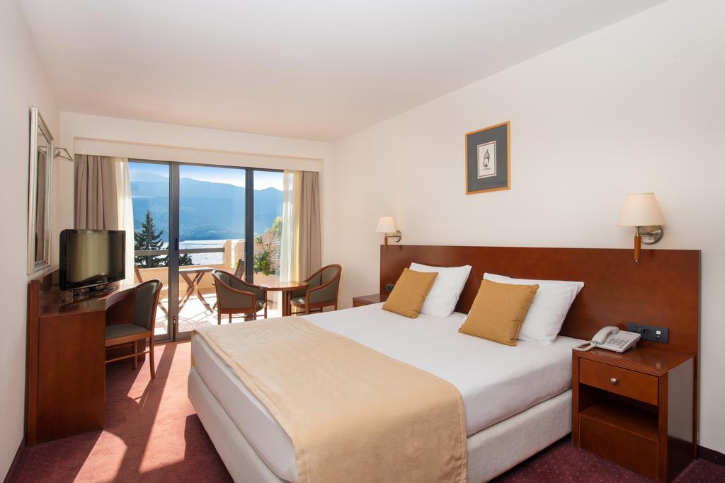 Готель, Iberostar Bellevue