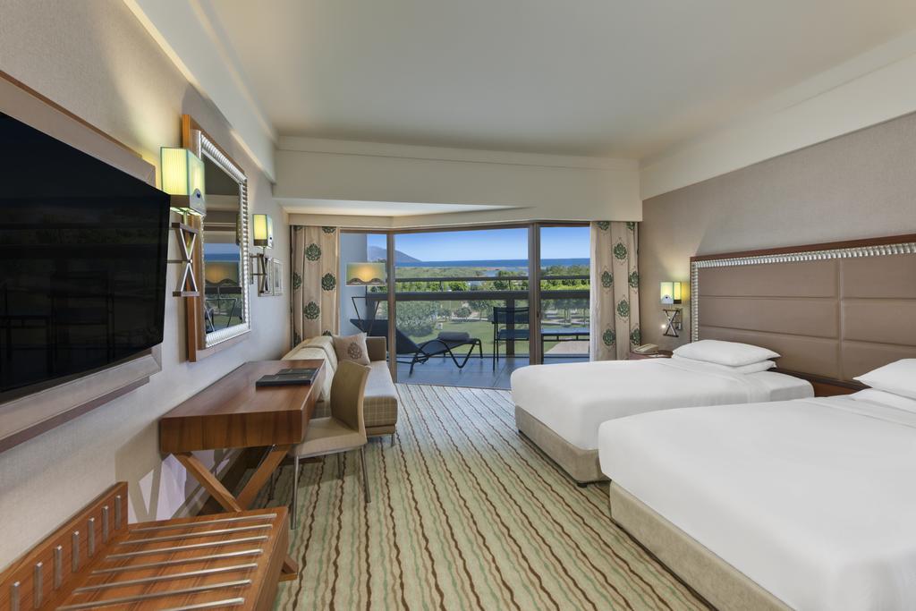 Hilton Dalaman Sarigerme Resort & Spa фото туристів