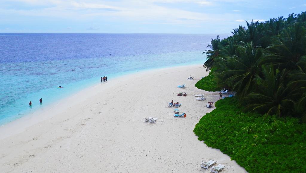 Цены в отеле Fihalhohi Island Resort