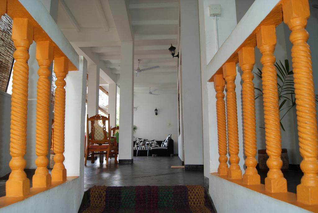 Отель, Шри-Ланка, Унаватуна, Prime Time Hotel & Bristol