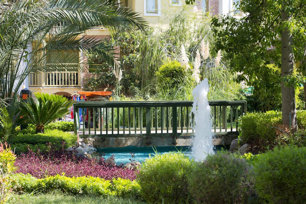 Відпочинок в готелі Limak Arcadia Golf & Sport Resort Hotel Белек