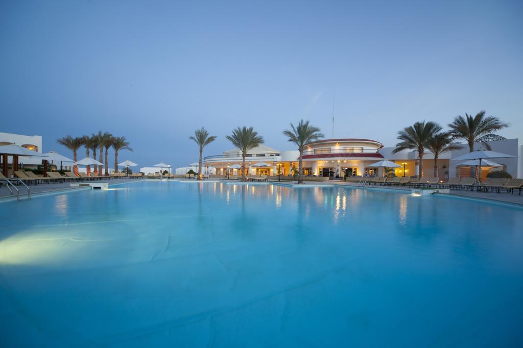 Coral Beach Resort Tiran, фотограції туристів