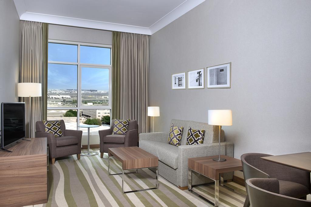 Hilton Garden Inn Dubai Al Muraqabat, Дубай (город)