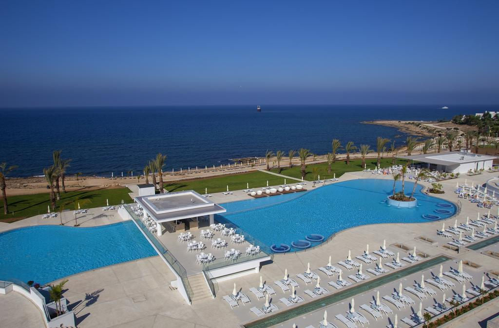 Фото отеля King Evelthon Beach Hotel