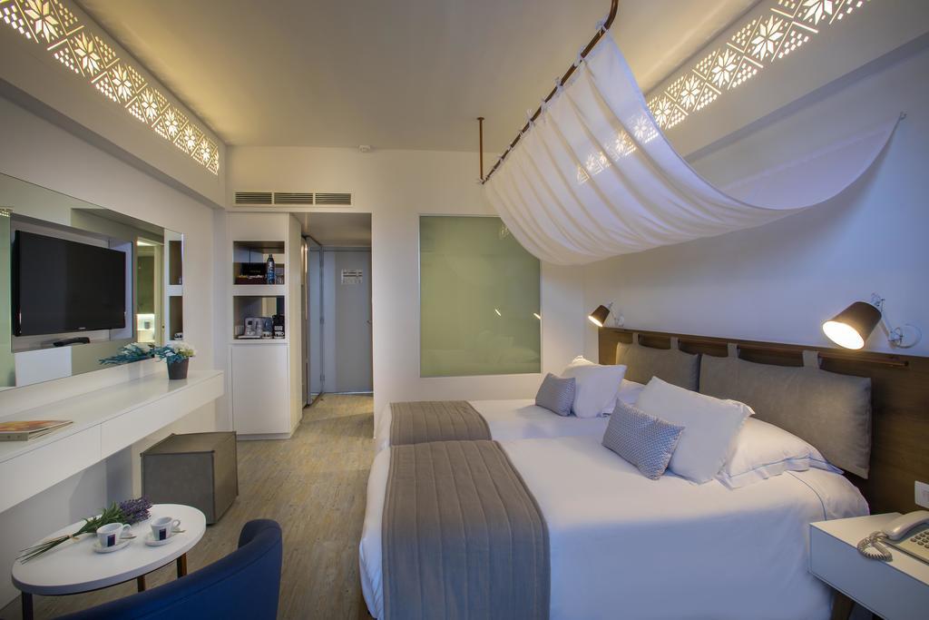 Горящие туры в отель Lordos Beach Hotel