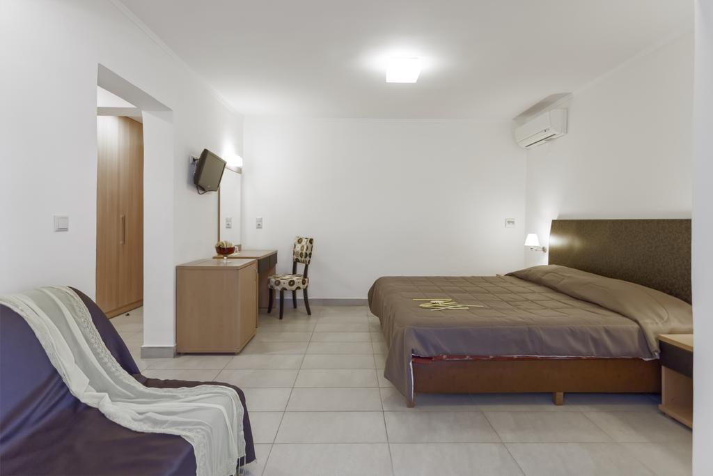 Гарячі тури в готель Lagomandra Beach Hotel Сітонія Греція