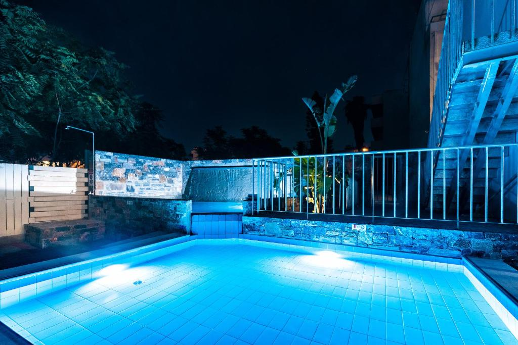 Фото готелю Pollis Hotel