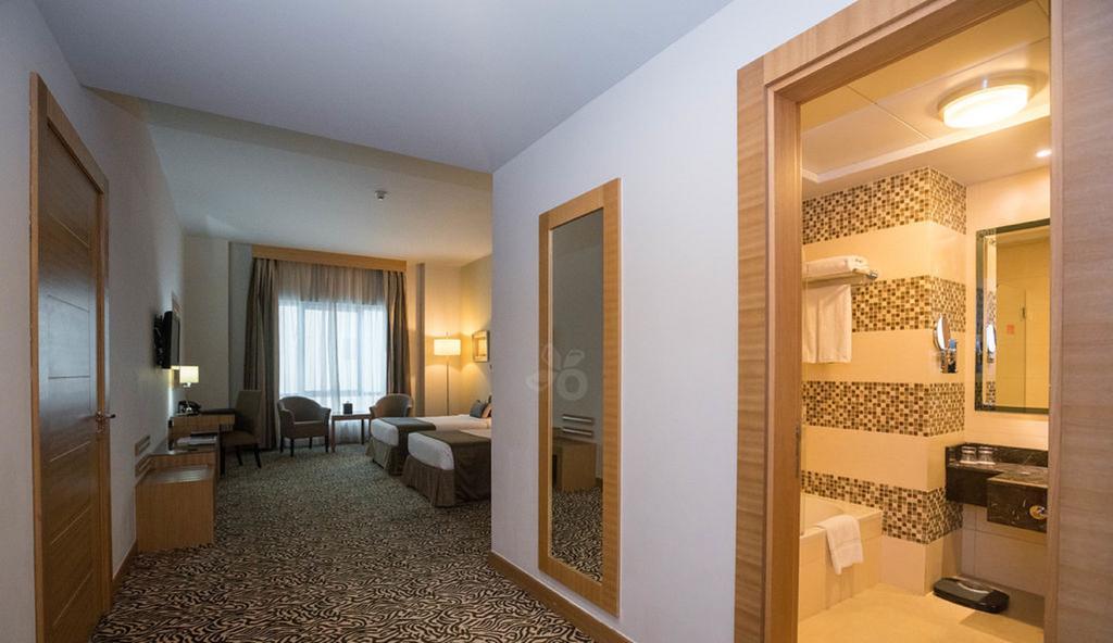 Copthorne Hotel Sharjah, ОАЭ, Шарджа, туры, фото и отзывы