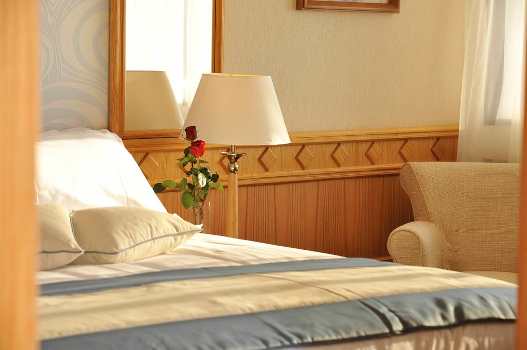 Туры в отель Constantinou Bros Asimina Suites Hotel (ex. Constantinou Bros Pioneer Beach Hotel)