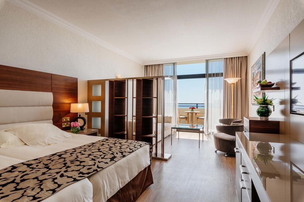 Amathus Beach Hotel цена