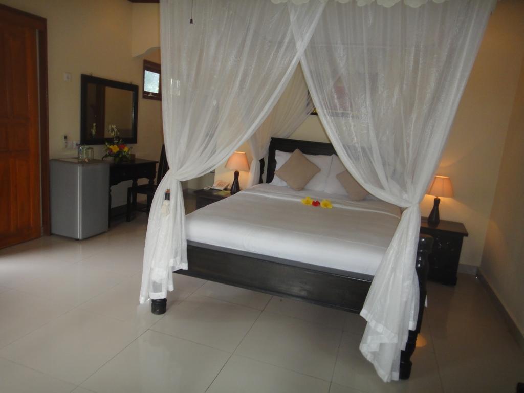 Отдых в отеле Arya Amed Beach Resort Карангасем Индонезия