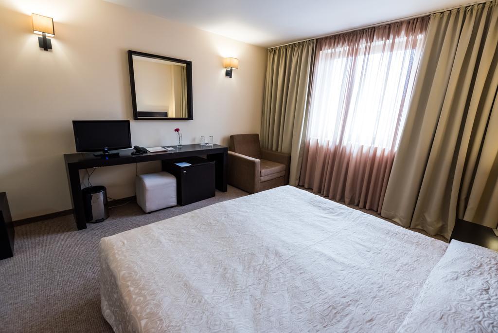 Отдых в отеле Gardenia Банско Болгария