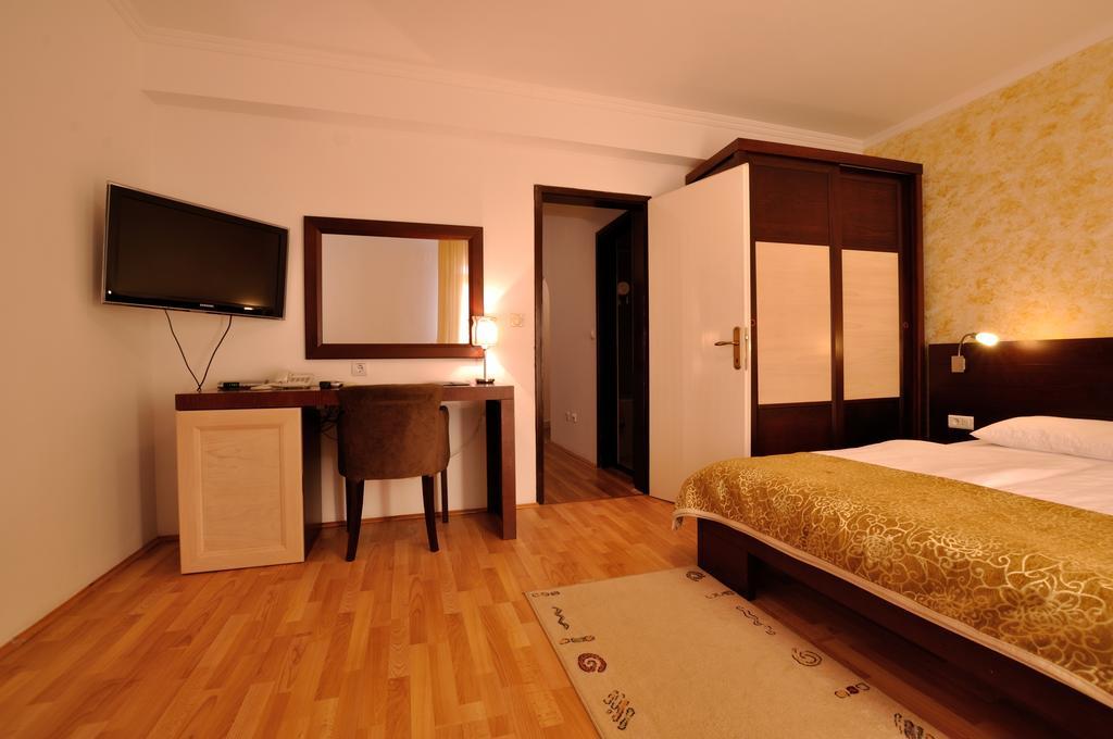 Тури в готель Djuric