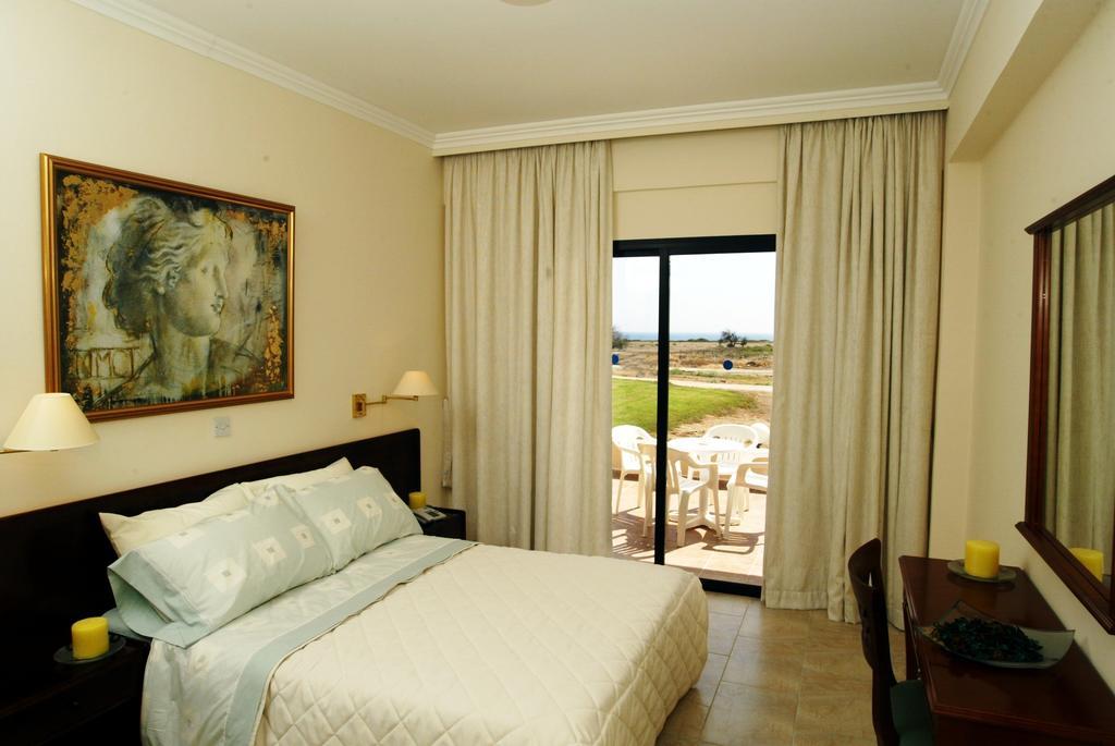 Panareti Coral Bay Hotel, Пафос