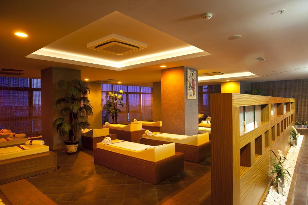 Limak Lara De Luxe Hotel & Resort, Анталія