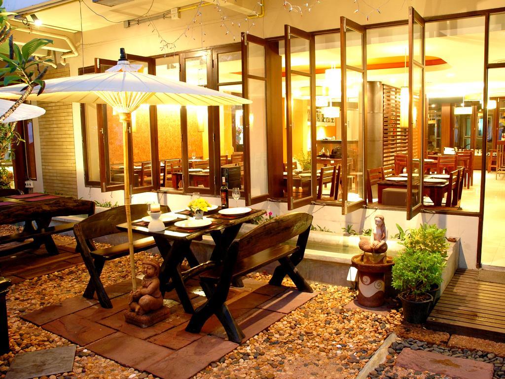 Фото отеля The Jomtien Twelve Boutique Hotel