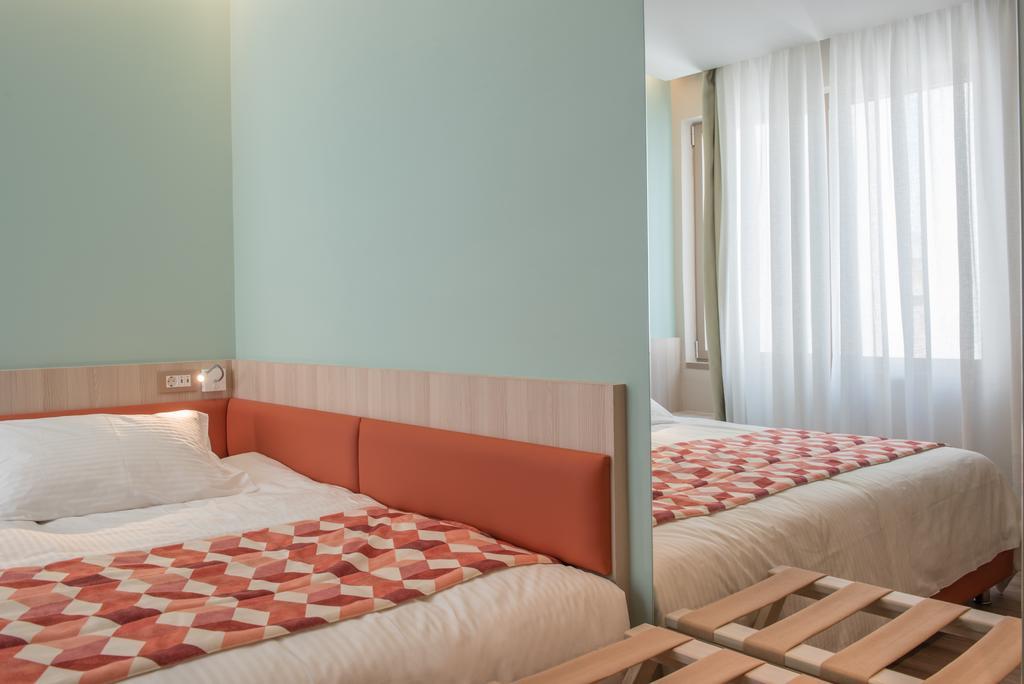 Цены в отеле Kubic Athens