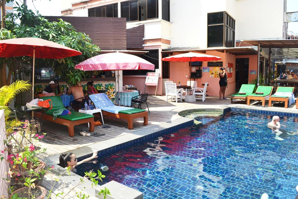 Патонг Bauman Ville Hotel ціни