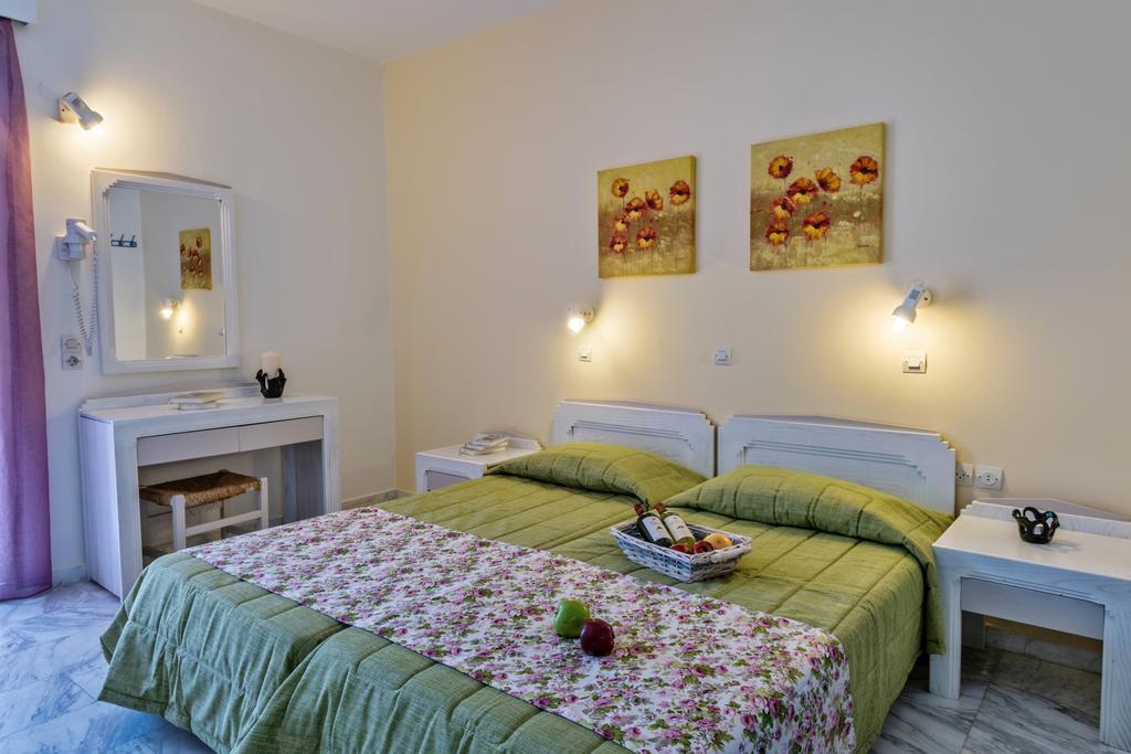 Фото отеля Ariadne Hotel-Apartments