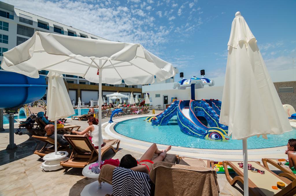 Відгуки про готелі The Lumos Deluxe Resort & Spa