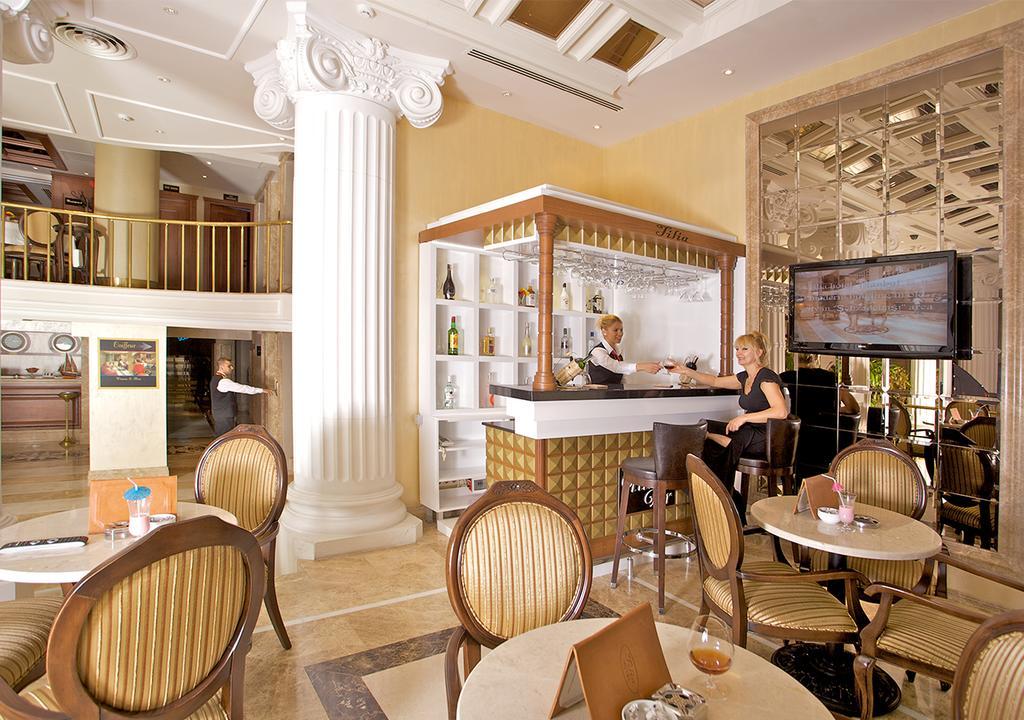 Tilia Hotel, питание