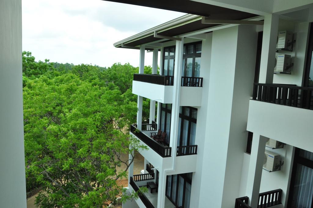 Туры в отель Lagoon Paradise Beach Resort Тангалле