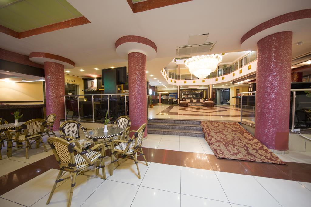 First Class Hotel, фотографии