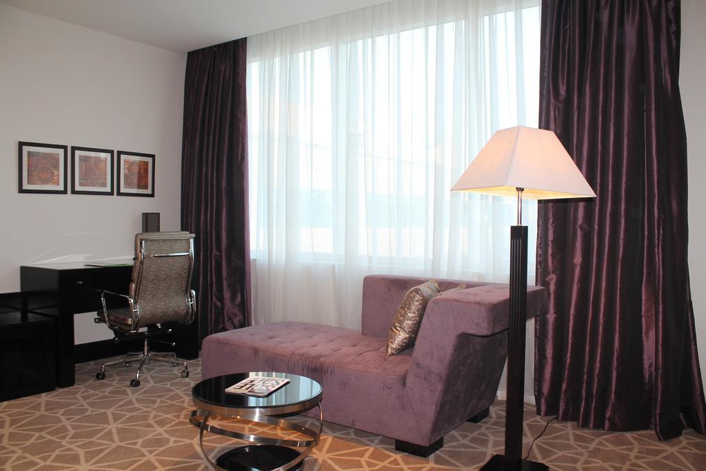 Цены в отеле Holiday Inn Al Barsha