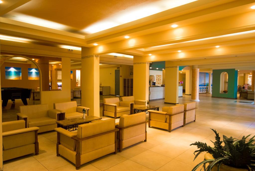 Ціни в готелі Potamaki Beach Hotel