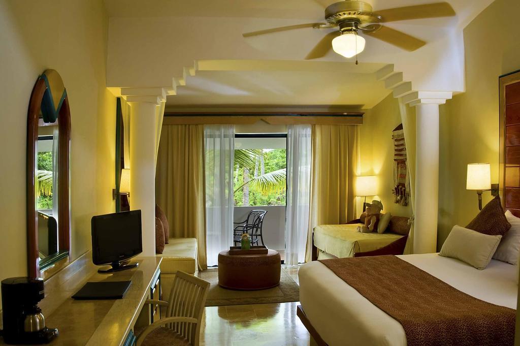 Тури в готель Melia Caribe Beach Resort (ex. Melia Caribe Tropical) Пунта-Кана