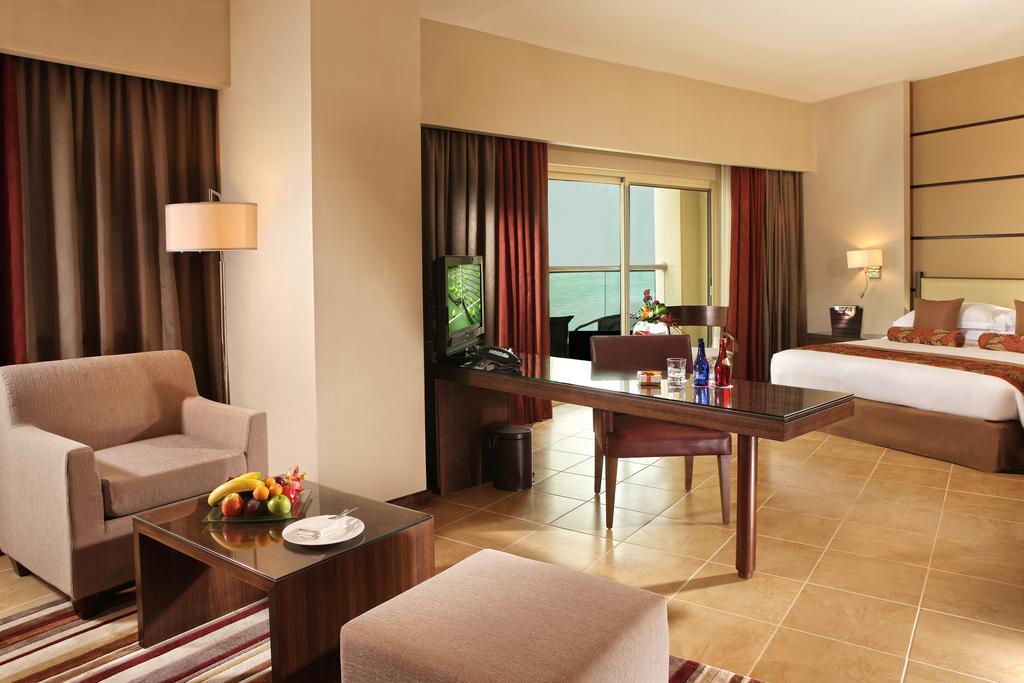 Відпочинок в готелі Khalidiya Palace By Rotana Абу Дабі ОАЕ