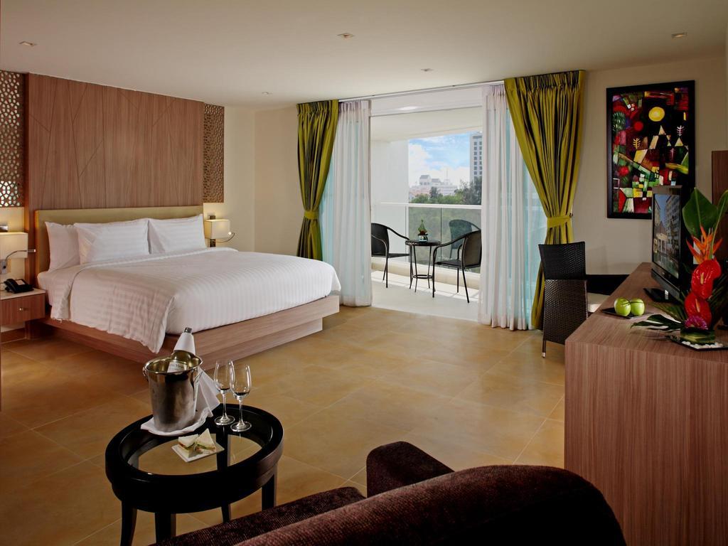 Горящие туры в отель Centara Pattaya Hotel Паттайя Таиланд