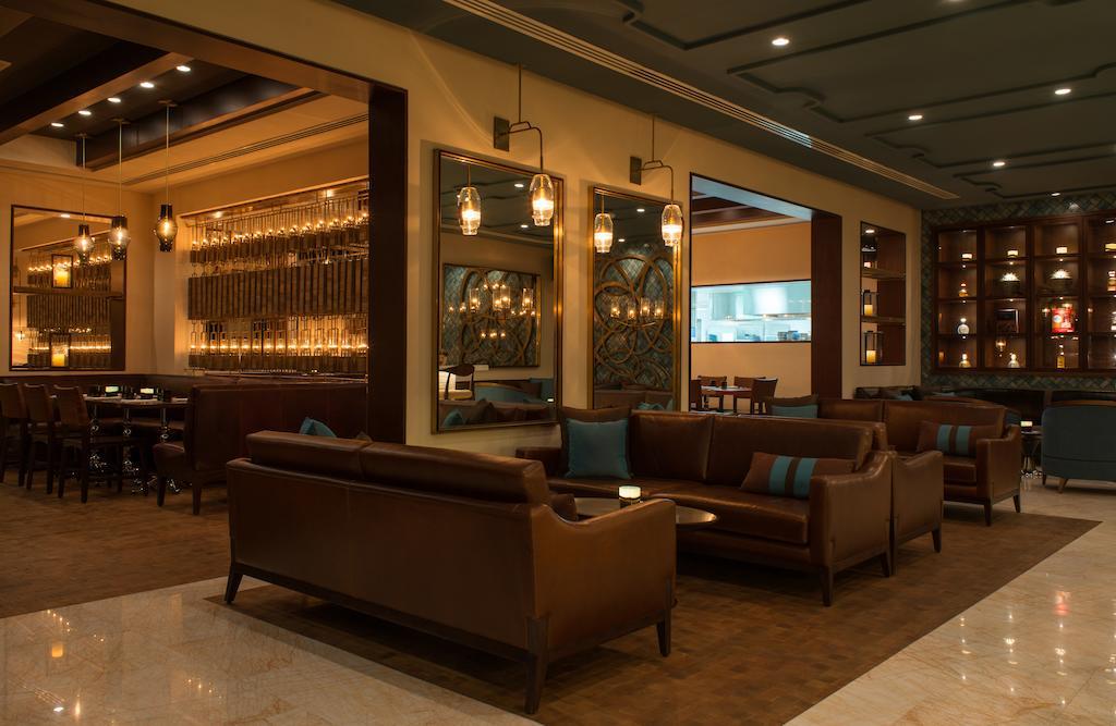Відпочинок в готелі Le Royal Meridien Beach Resort & Spa