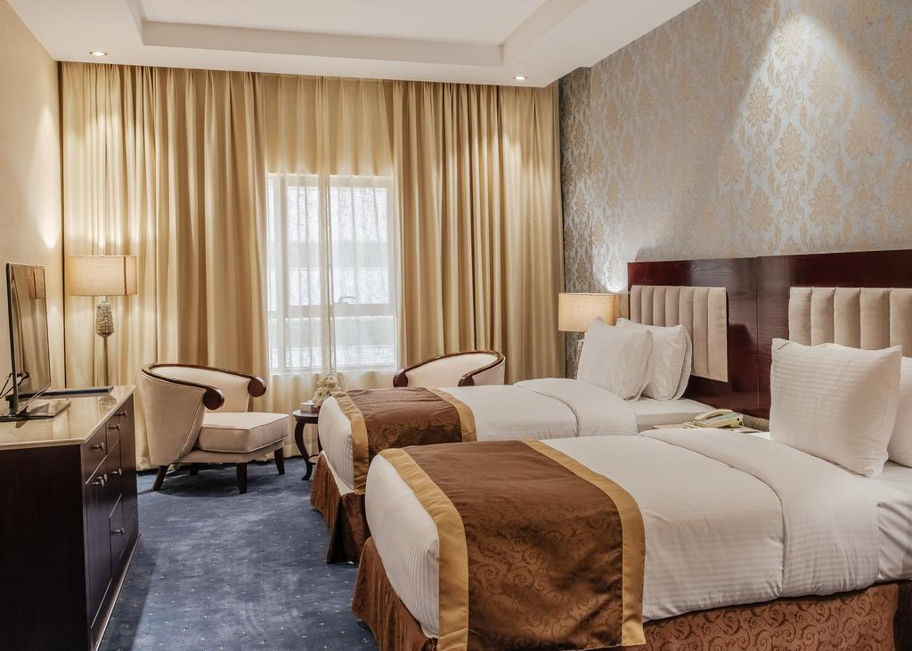 Tulip Inn Al Khan Hotel, 4